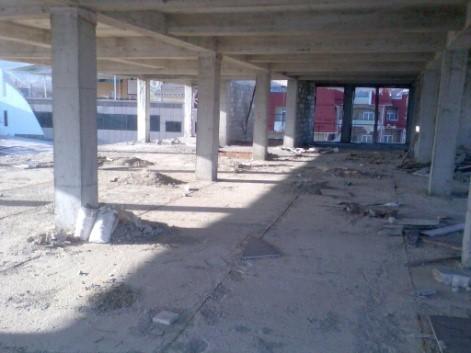 Незакінчене будівництво, нежитлова будівля-кафе з розміщенням готельних номерів, площею 1617,0 кв. м
